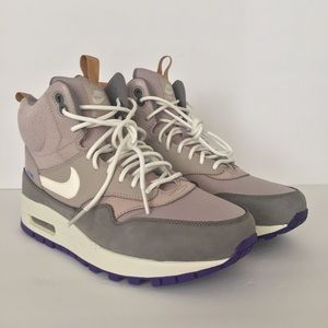 NEW Nike Air Max 1 Mid Womens Sneaker Boots Sz 10